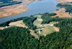 This 260-acre park on the Patuxent River offers pastures, woodlands and wetlands including picnic shelters, a boardwalk, fishing pier, launch area for canoes and kayaks, swimming pool, horse ring and a hall for indoor meetings and receptions.